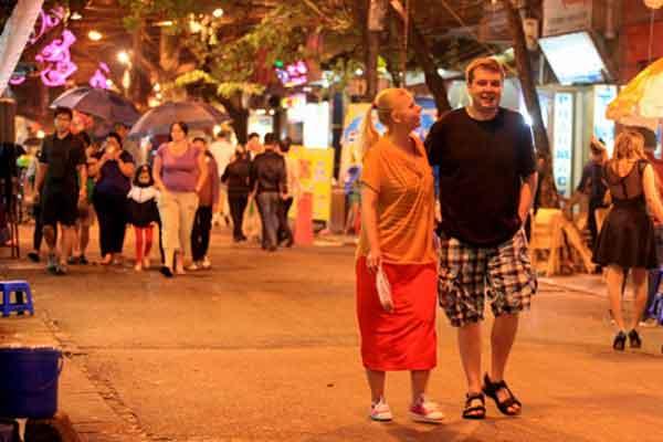 Vietnam voyage avis : la nuit, découvrez un Hanoi autrement