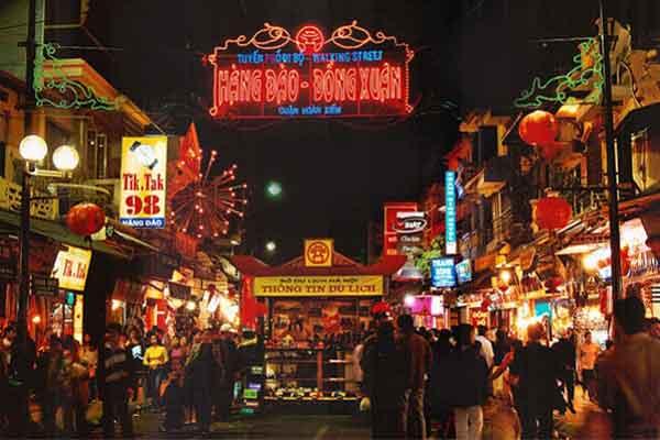 Vietnam voyage blog: Découvrez les marchés nocturnes à Hanoi