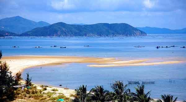 À la découverte de belles plages au Nord, lors de vacances Vietnam